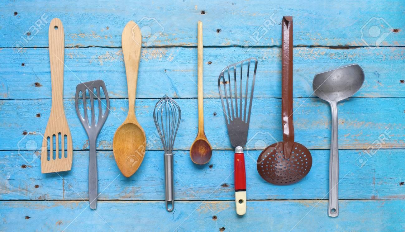 Gruppe Von Retro-Küchenutensilien. Lizenzfreie Fotos, Bilder Und ...