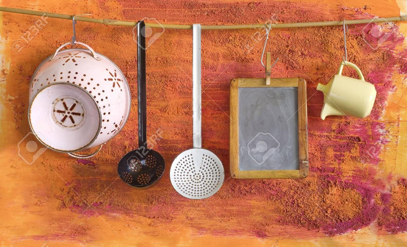 Ustensiles De Cuisine Vintage Et Tableau Noir Pour Les Recus L