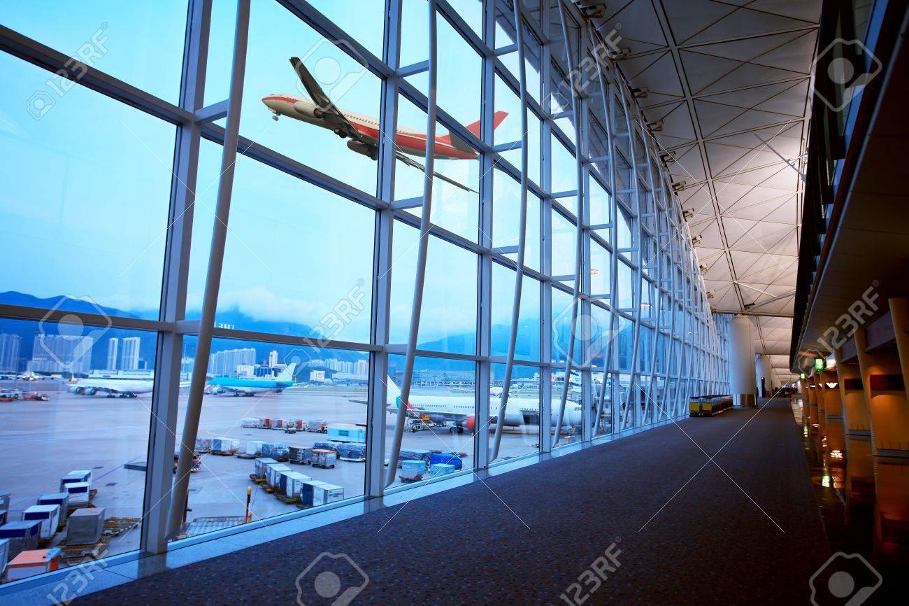 Hong Kong Airport - 18113921