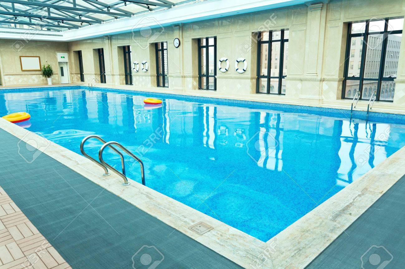 Indoor Swimming Pool - 28883511