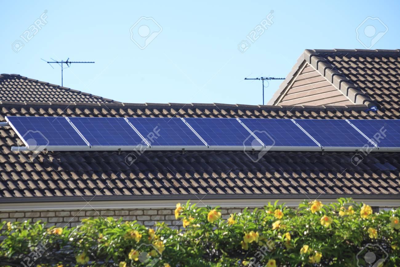 Rooftop solar panels - 43293054