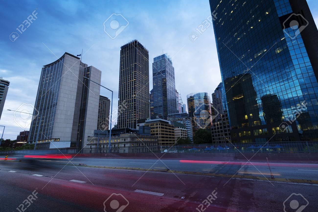 Sydney city building, busy city road - 76354388