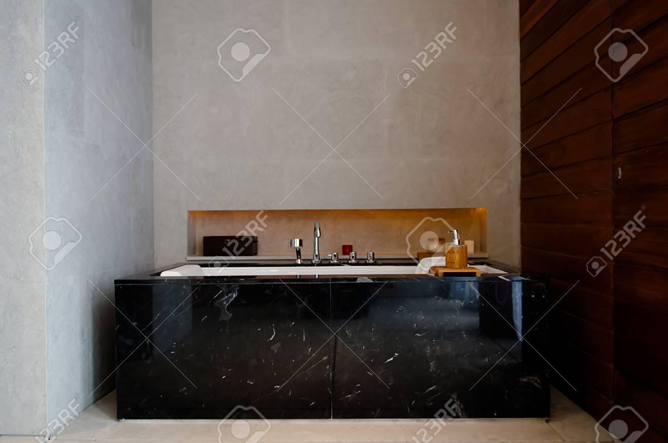 Sala Da Bagno Lusso : Sala da bagno di lusso interiore della stanza da bagno di lusso u