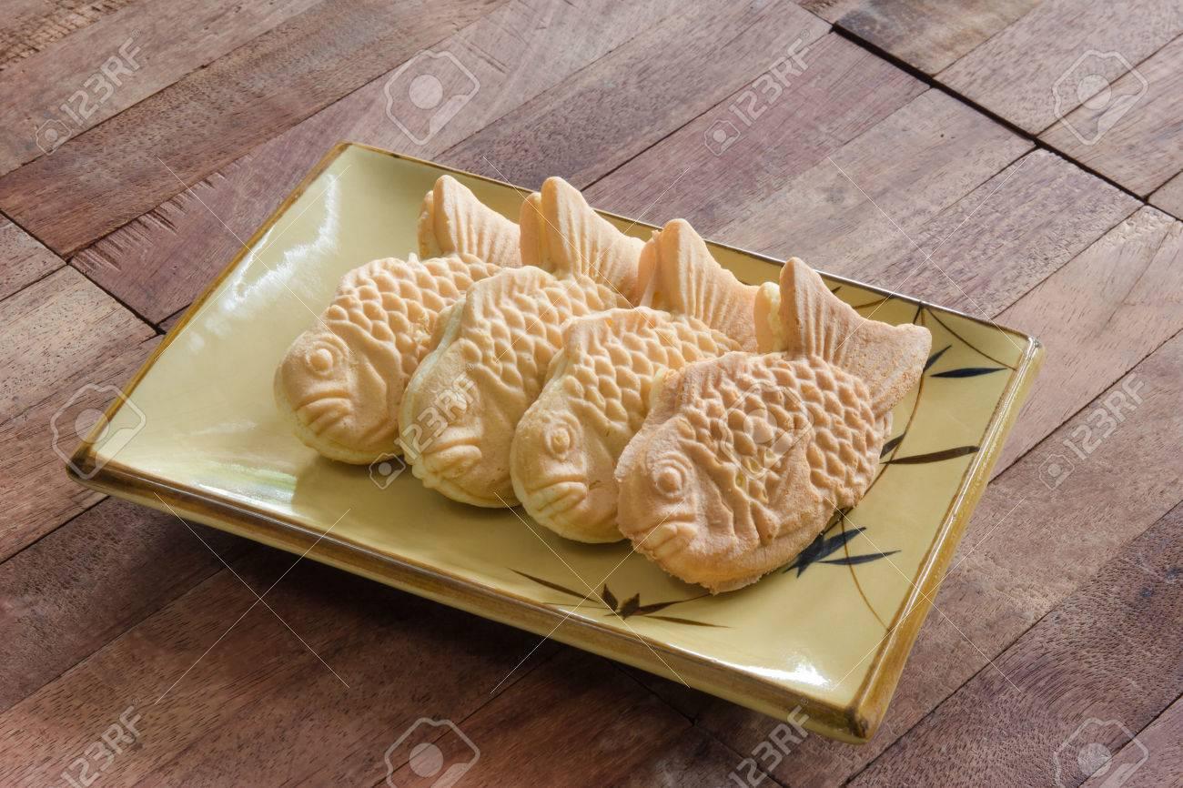 Standard Bild   Taiyaki Kuchen Auf Holz Hintergrund, Japanischen Süßwaren