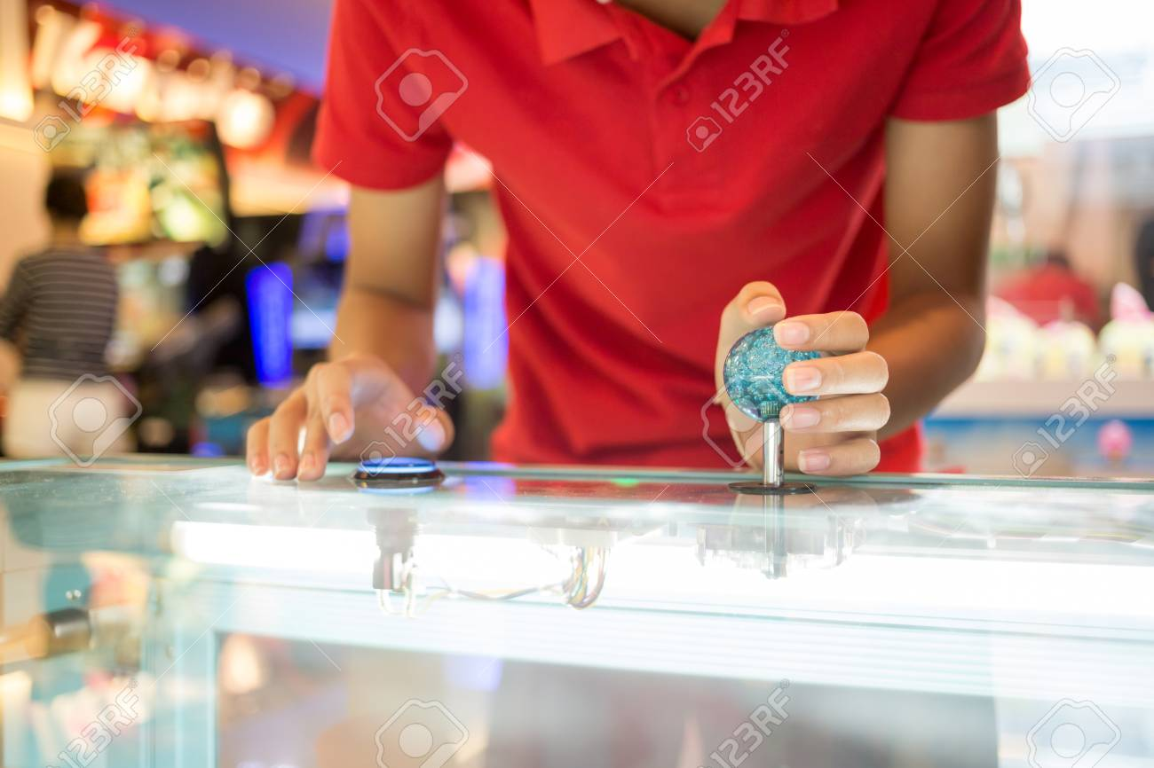 Cierre De Control De La Mano De La Palanca De Mando De Juegos