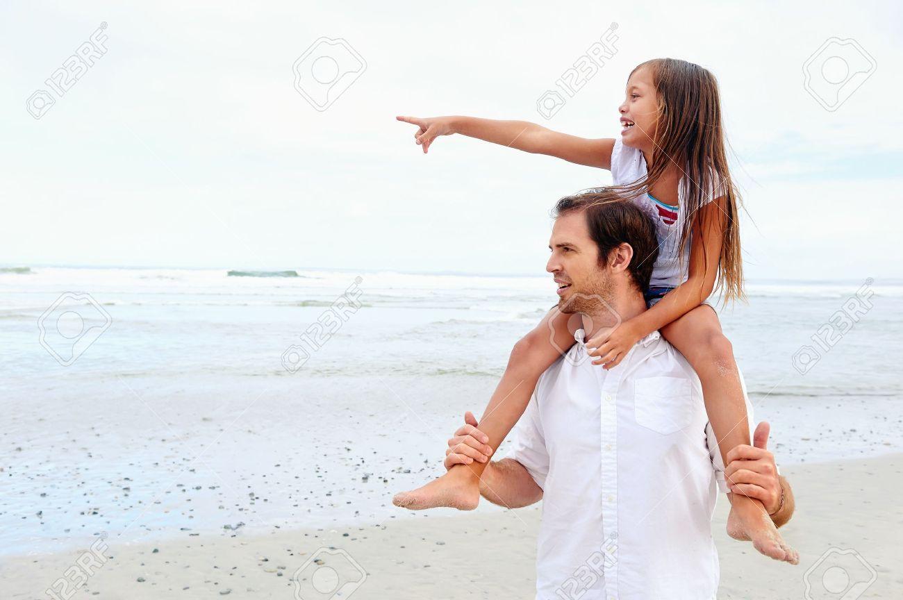 Смотреть дочка с дедом 23 фотография