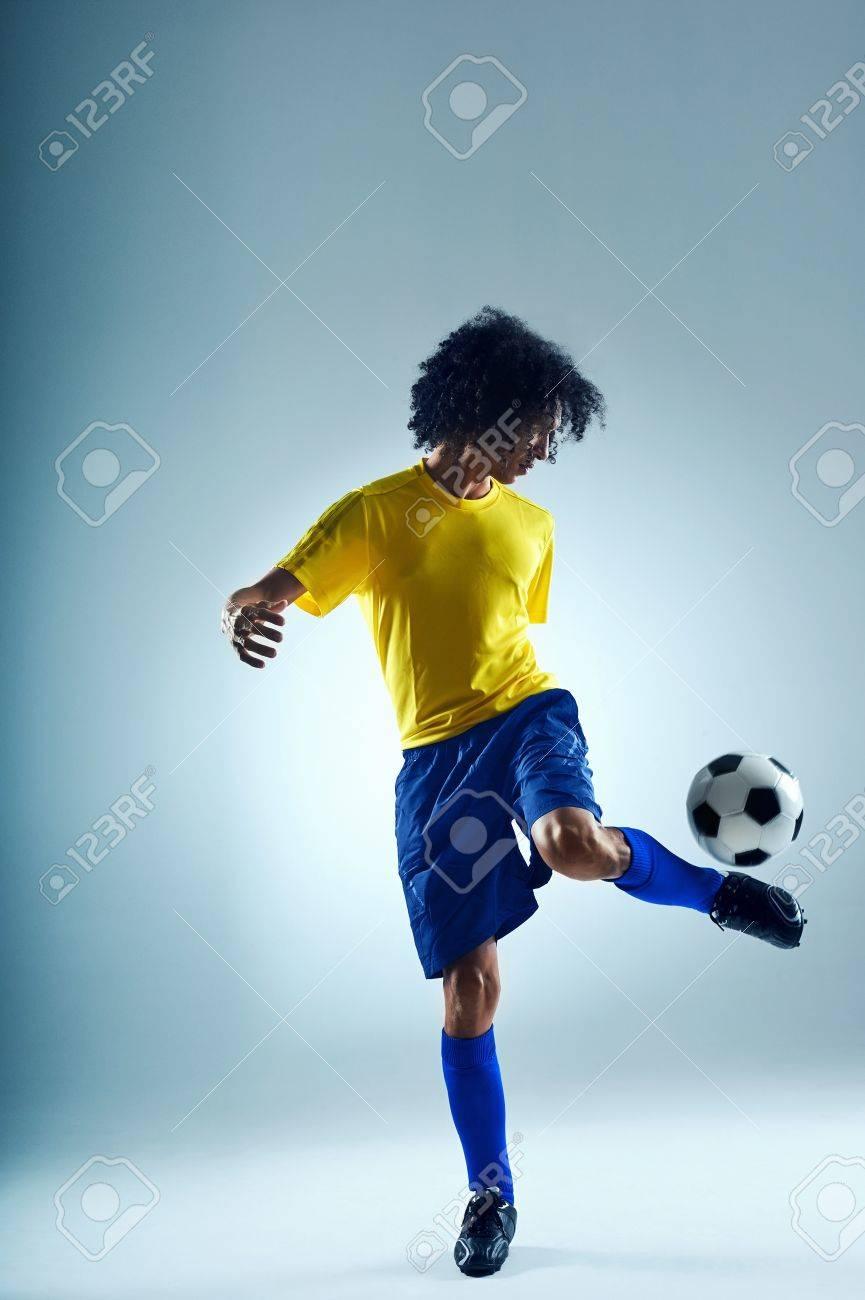 Calcio Sport Abilità Del Giocatore Il Controllo Di Pratica Con Palla ...