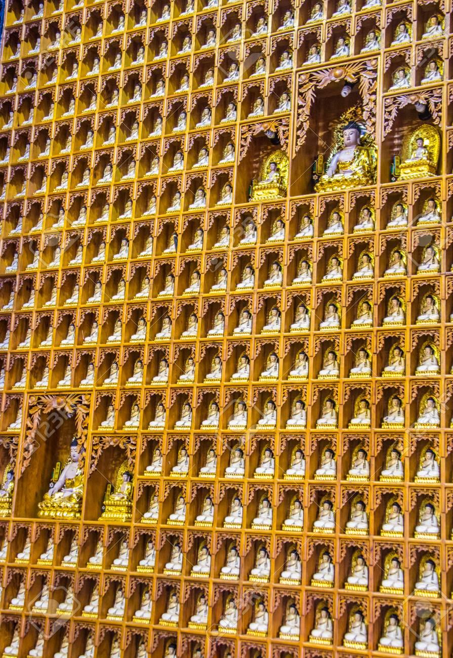 Line Of Gold Buddha Image Thai Buddha Images Buddhist Built