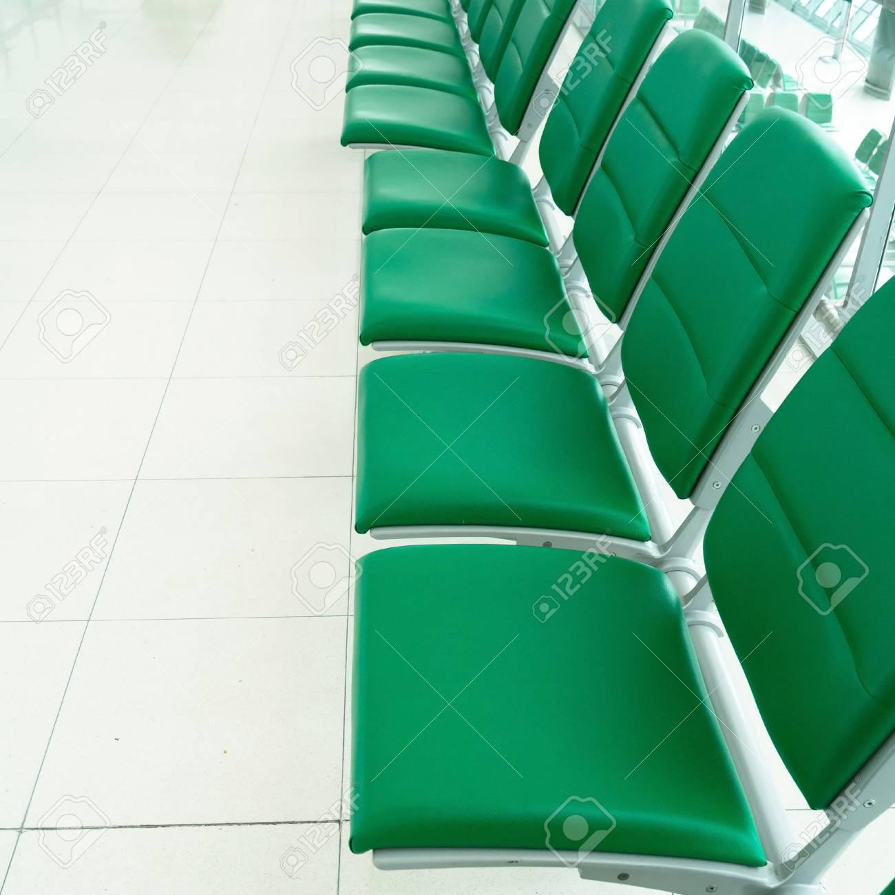 banque dimages range de chaise verte - Chaise Verte