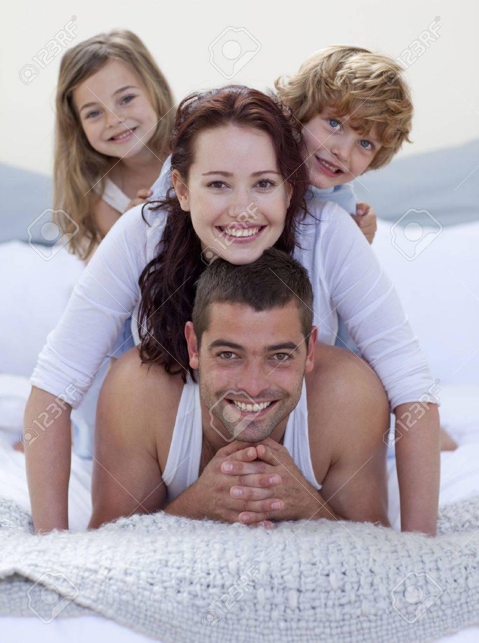 Постельные игры семейных пар фото 10 фотография