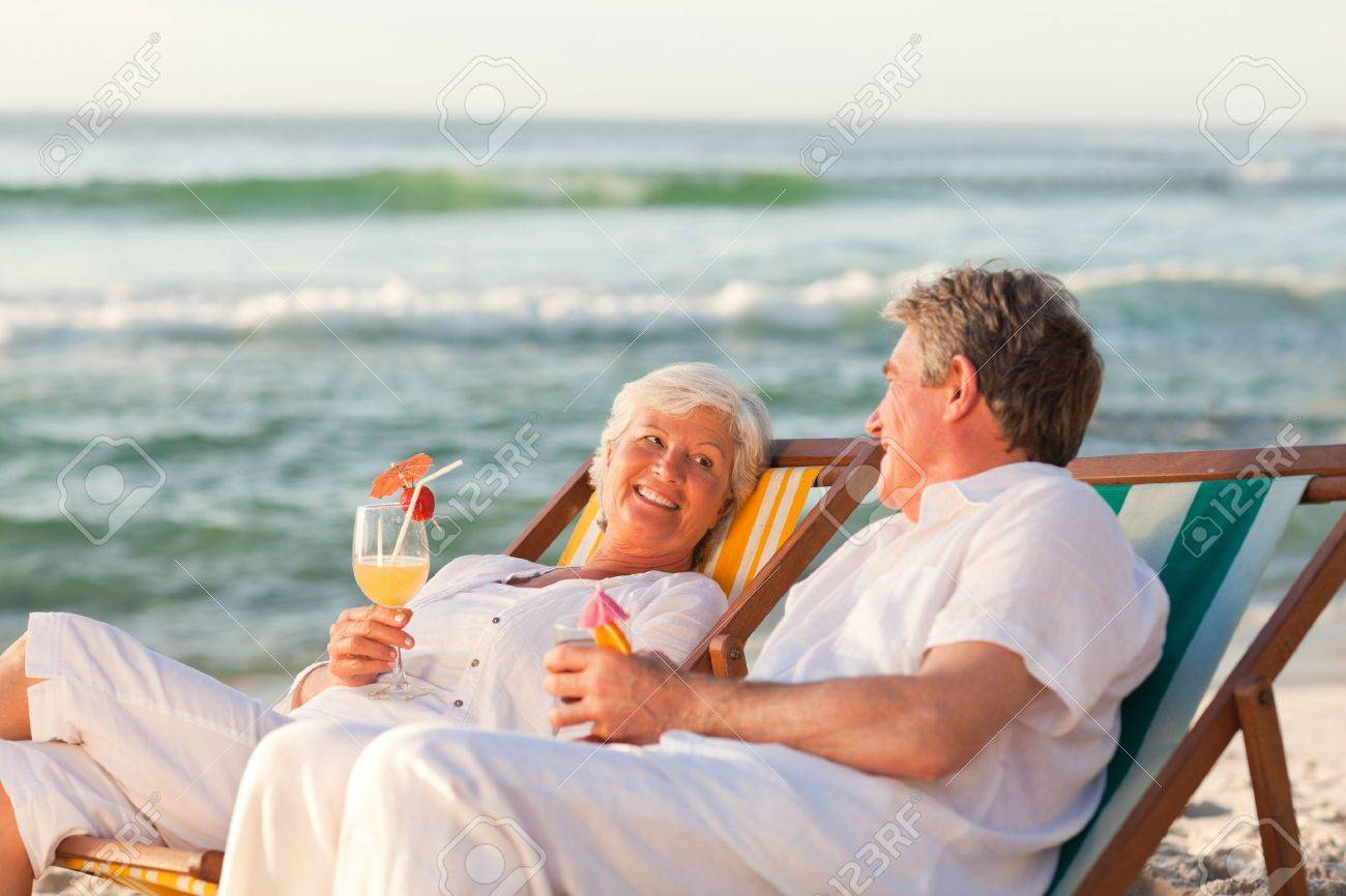 Senior couple drinking a cocktail Stock Photo - 10164389