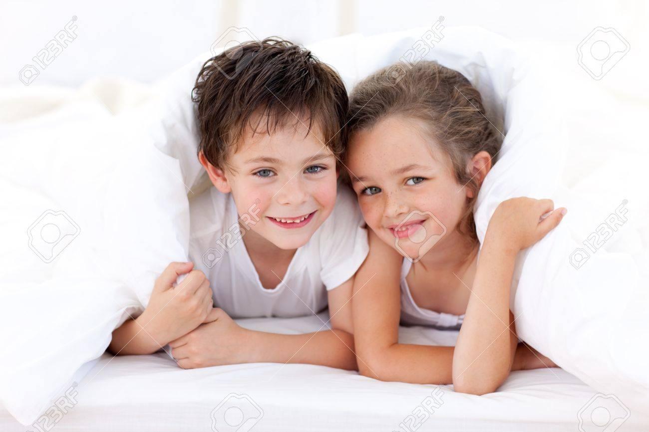 Секс брат сестра и, Порно: брат и сестра. Секс инцест брата и сестры на 20 фотография