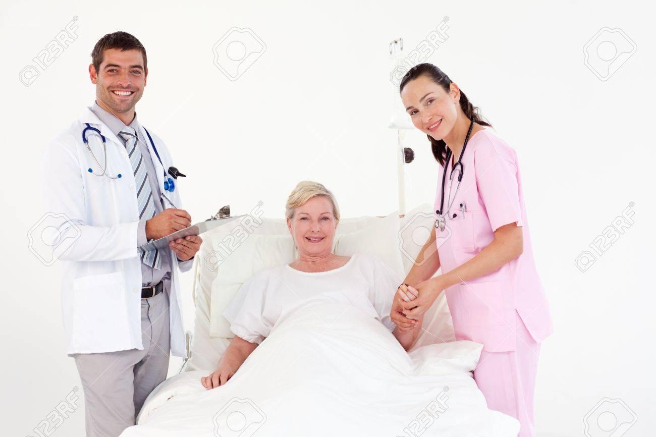 Предложила пациенту прилечь 15 фотография