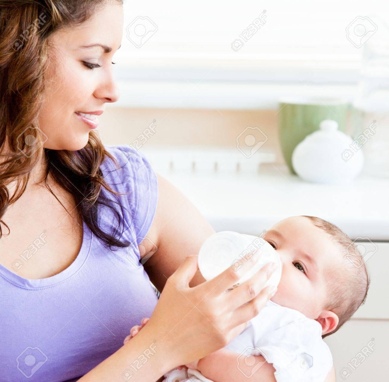 Сын обожает мать 2 фотография