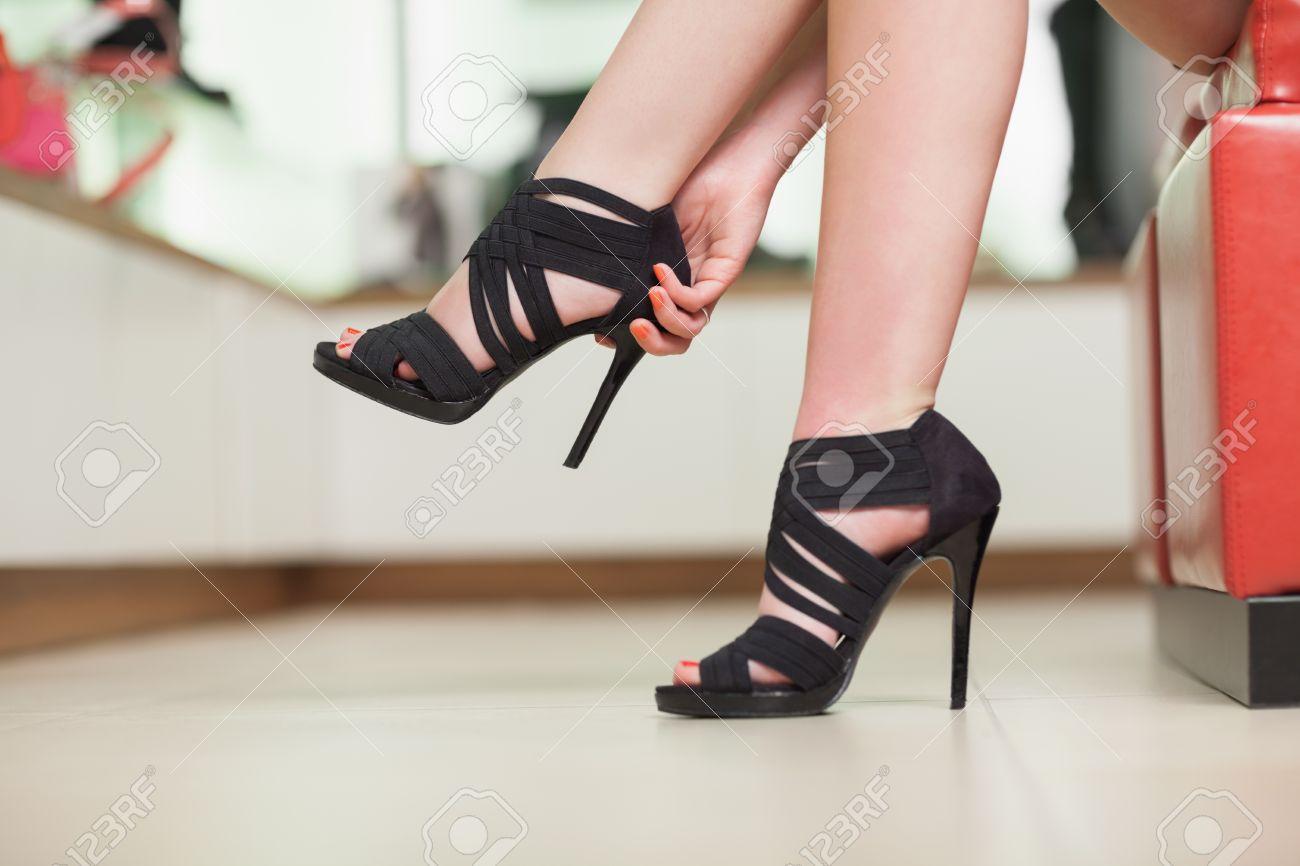 Подсмотренное в обувном магазине фото 239-29