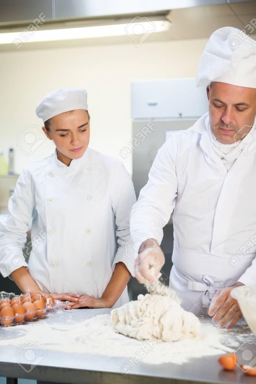 Increíble Jefe De Cocina Bosquejo - Ejemplo De Colección De ...