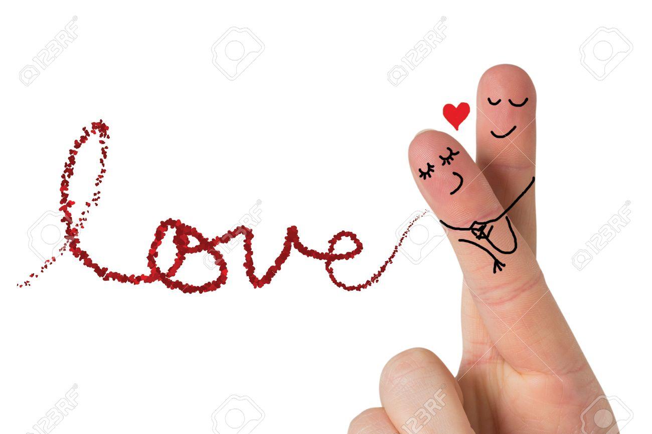 Dedos Cruzados Como Una Pareja Contra El Amor Detallan En Pétalos