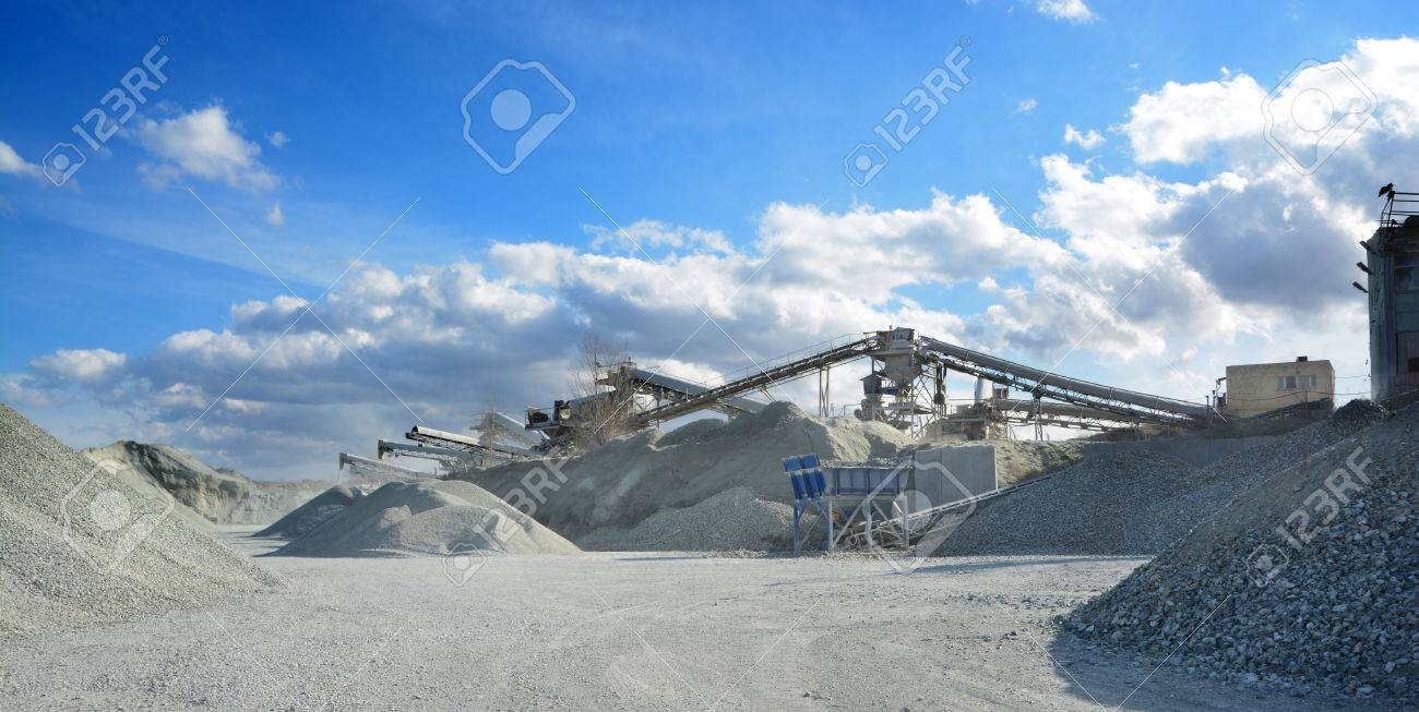 rock crusher machine in quarry - 39542666