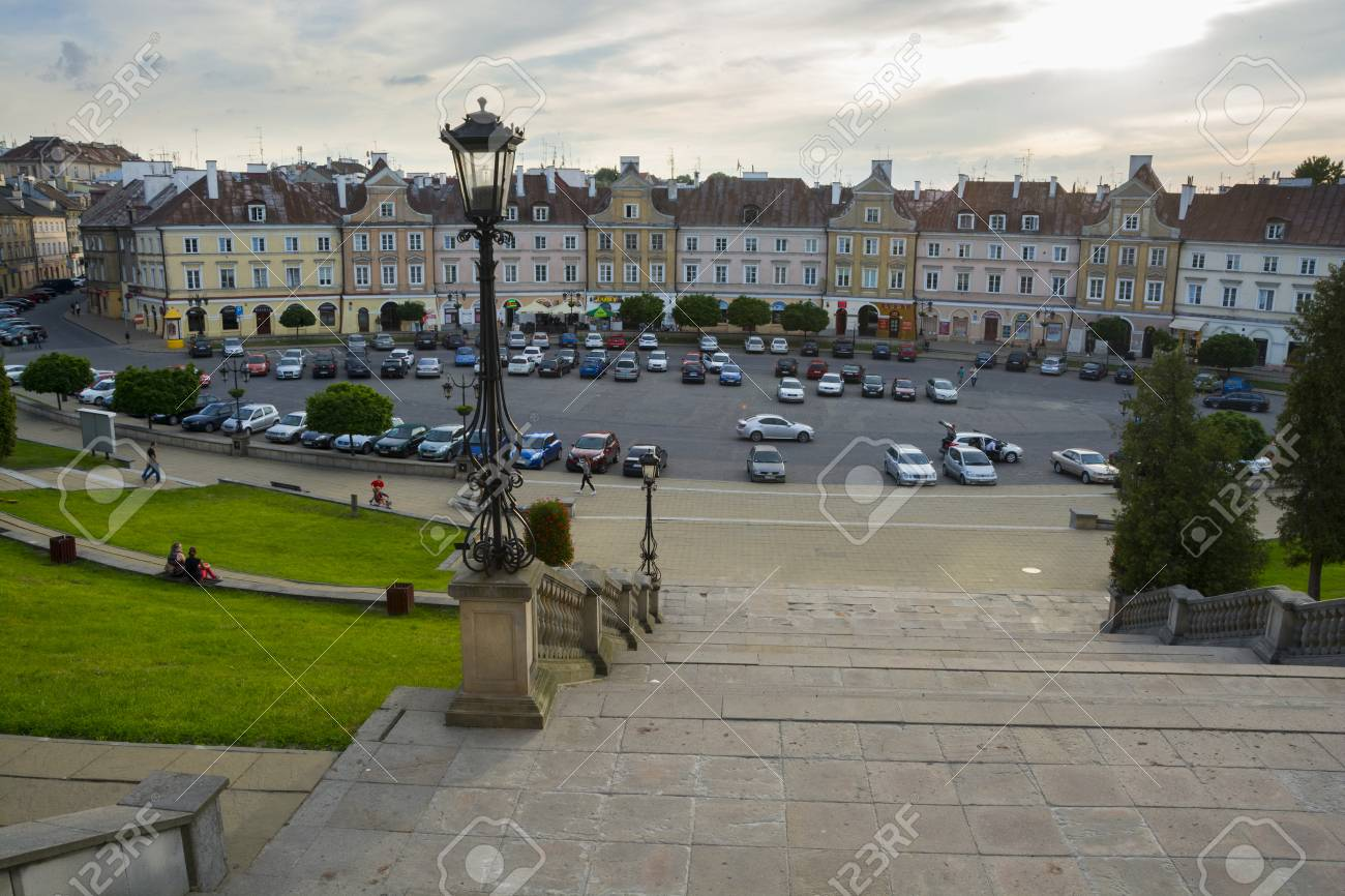 LUBLIN, POLAND - JUNE 02, 2016: Castle Square with historical houses, on June 02 2016 in Lublin, Poland. - 59473379