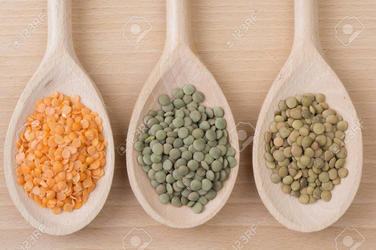 Three kinds of lentil on spoons - 60069978