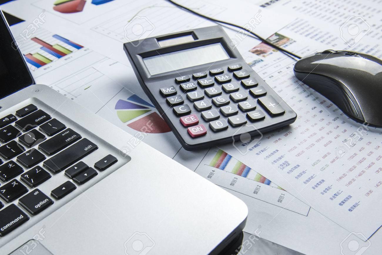 calcul d'affaires de la finance Banque d'images - 31497851
