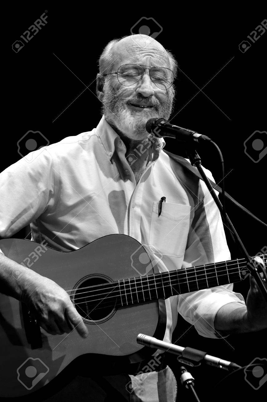 ST. PETERSBURG, FLORIDA (USA) - FEBRUARY 18, 2012: Paul Stookey, best known as Paul in the folk trio Peter, Paul and Mary, sings a sentimental song at The Palladium. Stock Photo - 16019959