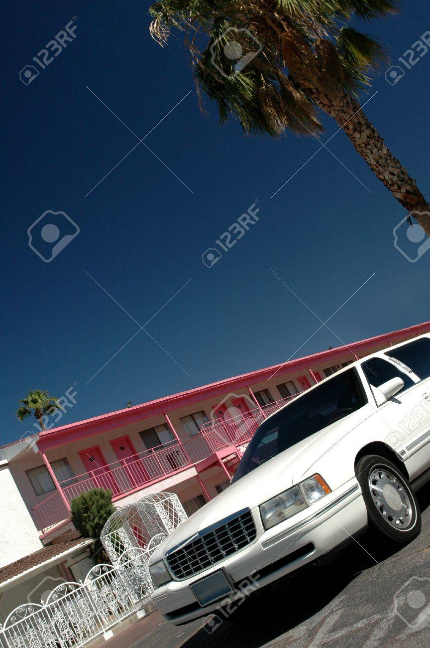 Limousine outside of a cheap hotel in Las Vegas Stock Photo - 7003836