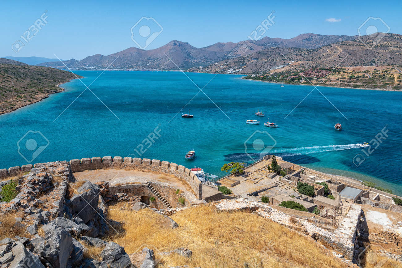 The fortress and leper colony of Spinalonga - 171854786