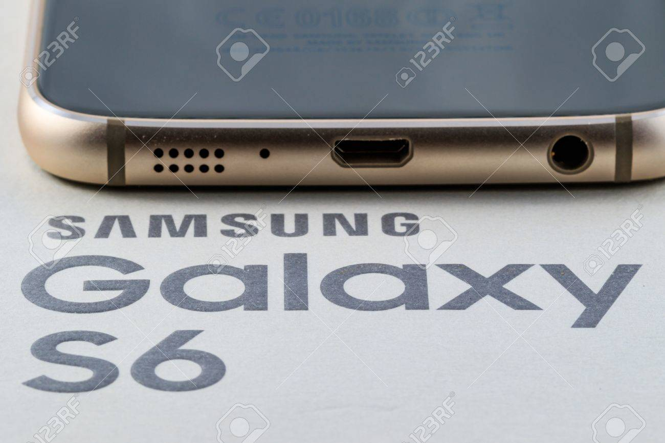 Bottom edge of Samsung Galaxy S6 gold platinum 64 gb edition Stock Photo - 53810991
