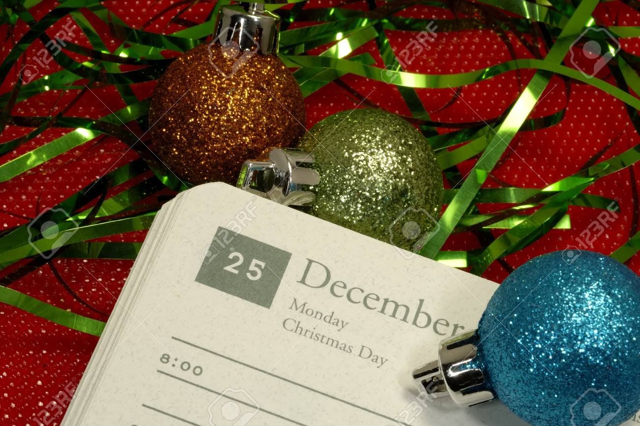 Foto Von Einem Kalender Zu öffnen Weihnachtstag - Weihnachten ...