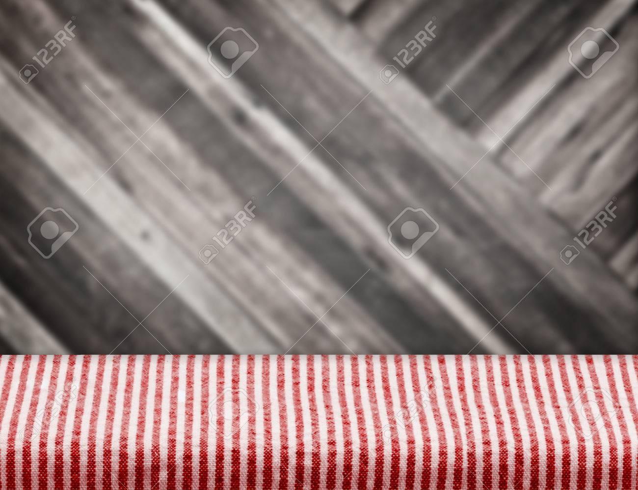 Vider La Nappe De Table Rouge Avec Flou Diagonale Planche De Bois