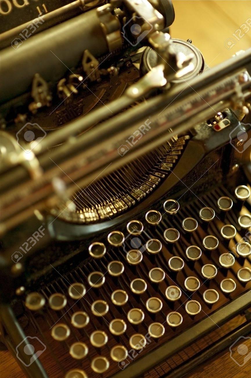 Old Typewriter Machine - Retro / Vintage Typewriter. Vertical Photo. Antique Photo Collection Stock Photo - 10642906