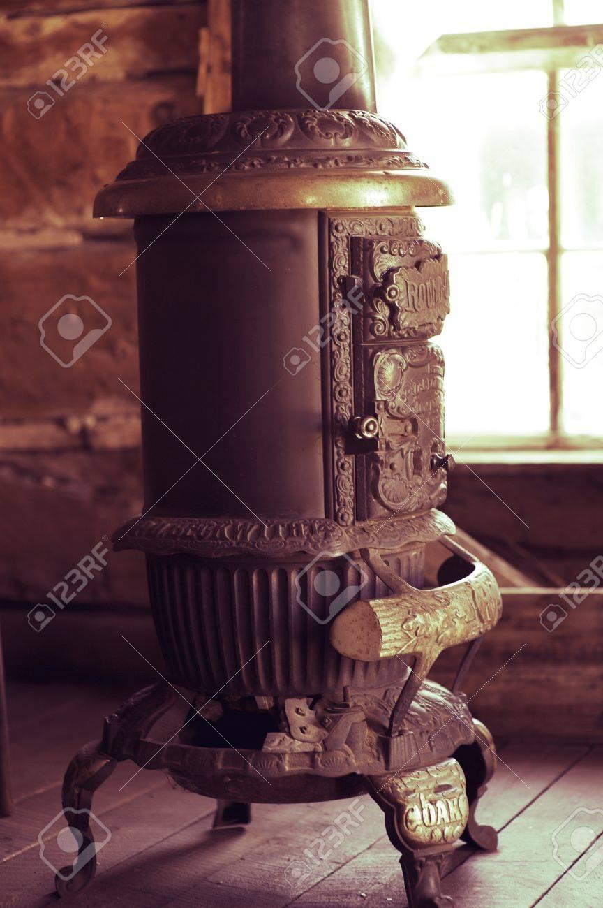 calentador antiguo acero vintage wood burning calentador de la casa objetos vintage photo collection