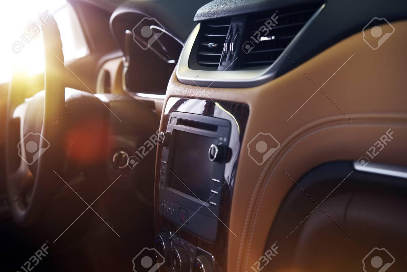 Interieur auto  Modernes Auto Interieur. Elegantes Car Interior Design Mit Großem ...