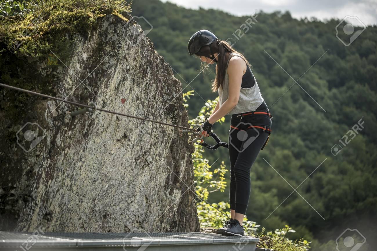 Klettersteig Deutschland : Deutschland westerwald hölderstein frau klettersteig