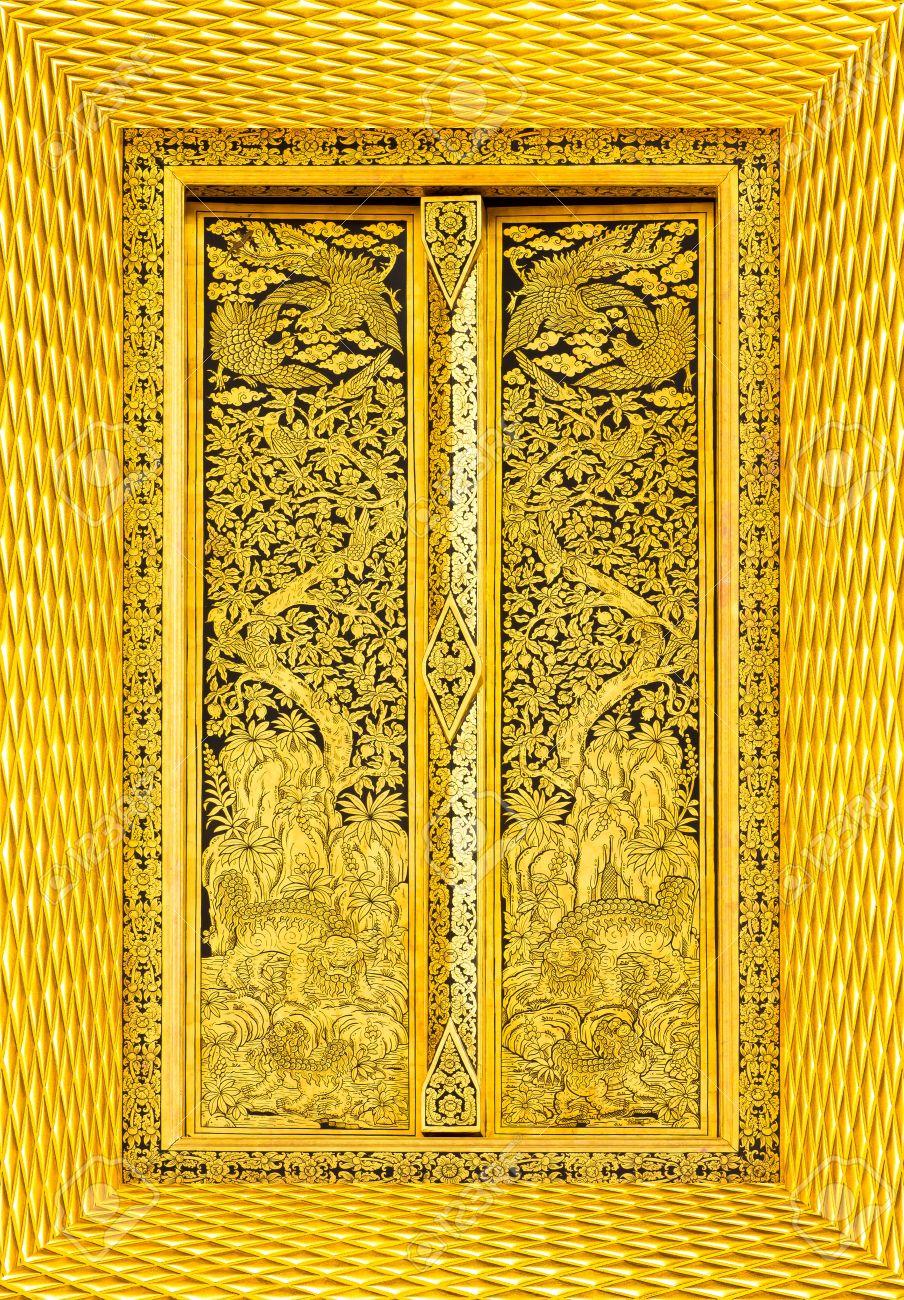 Design beautiful Thai temple gate Stock Photo - 13238187