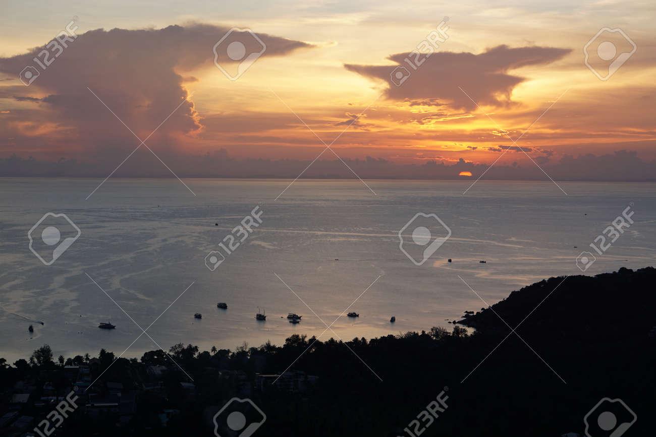 creative abstract sunset swirl background 3d illustration - 169664606