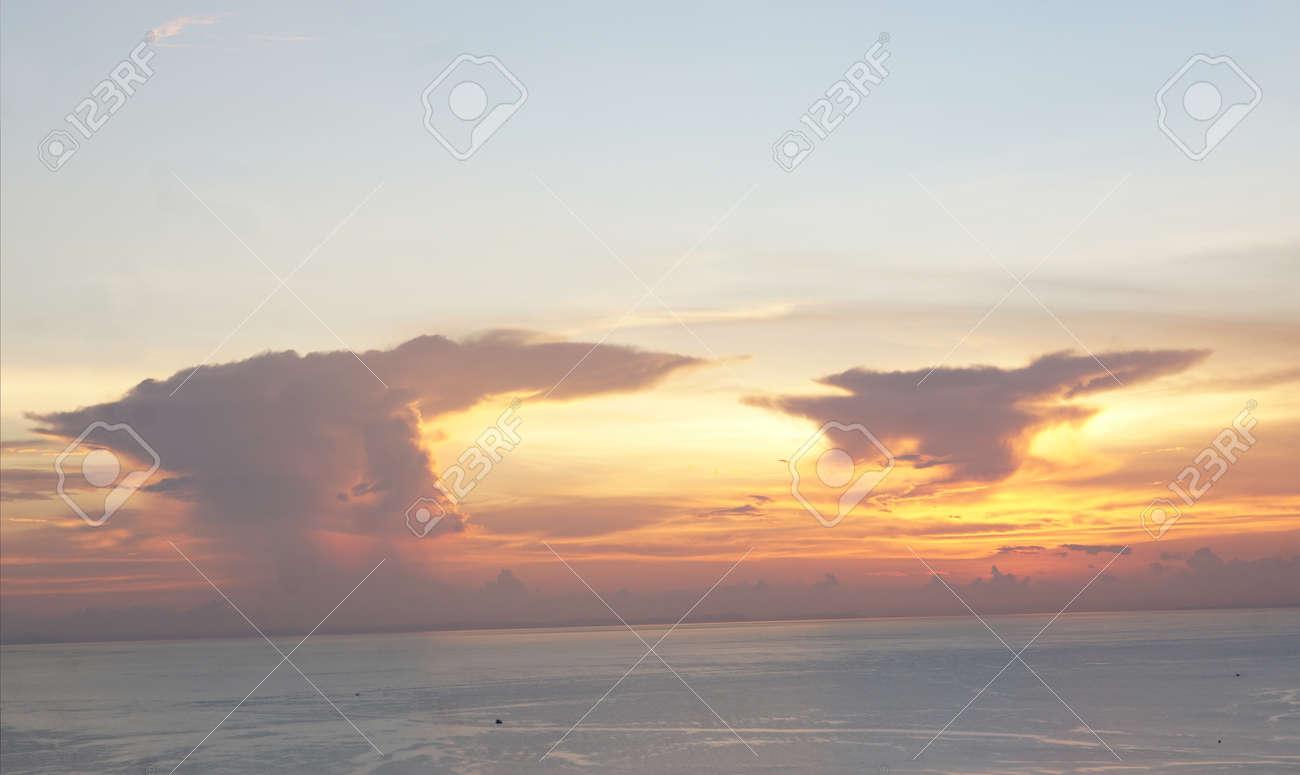 creative abstract sunset swirl background 3d illustration - 169664608