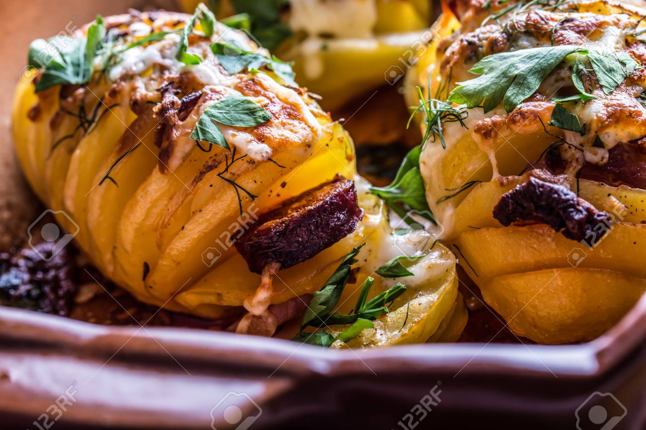 Potato.Roasts Kartoffeln. Gutbürgerlich Braten Kartoffeln. Backform ...