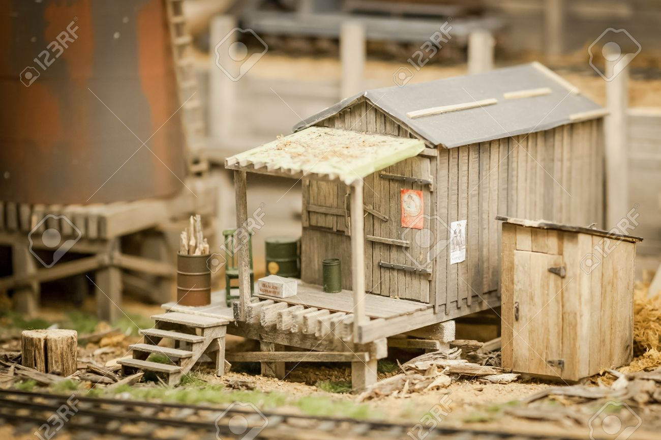 15865728-miniature-model-of-a-rundown-sh