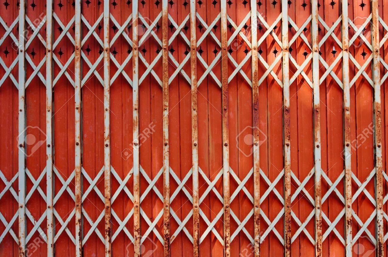 Porte Pieghevoli, Porte Di Ferro Foto Royalty Free, Immagini ...
