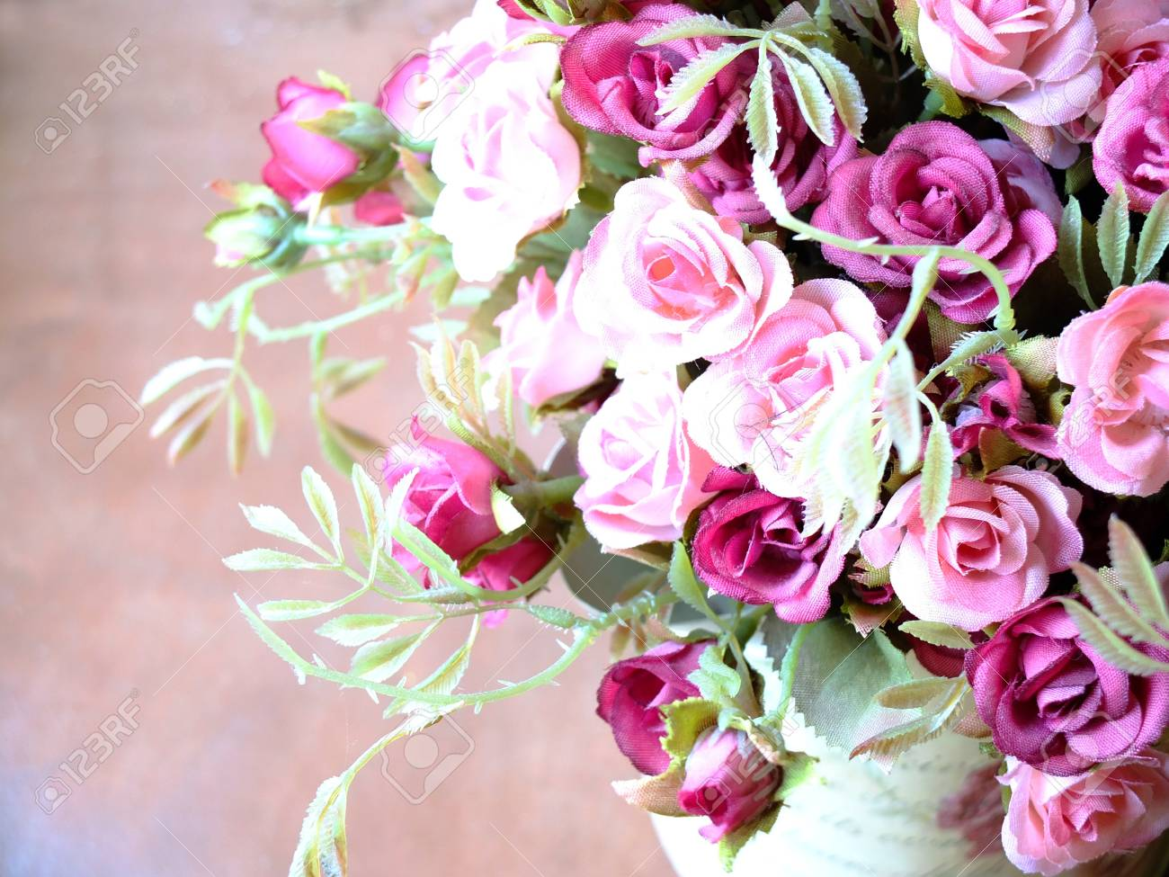 bouquet of pink roses Stock Photo - 18047481