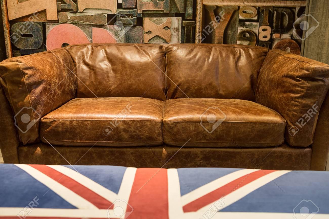 Prime Vintage Brown Leather Sofa With England Flag Tea Table Spiritservingveterans Wood Chair Design Ideas Spiritservingveteransorg