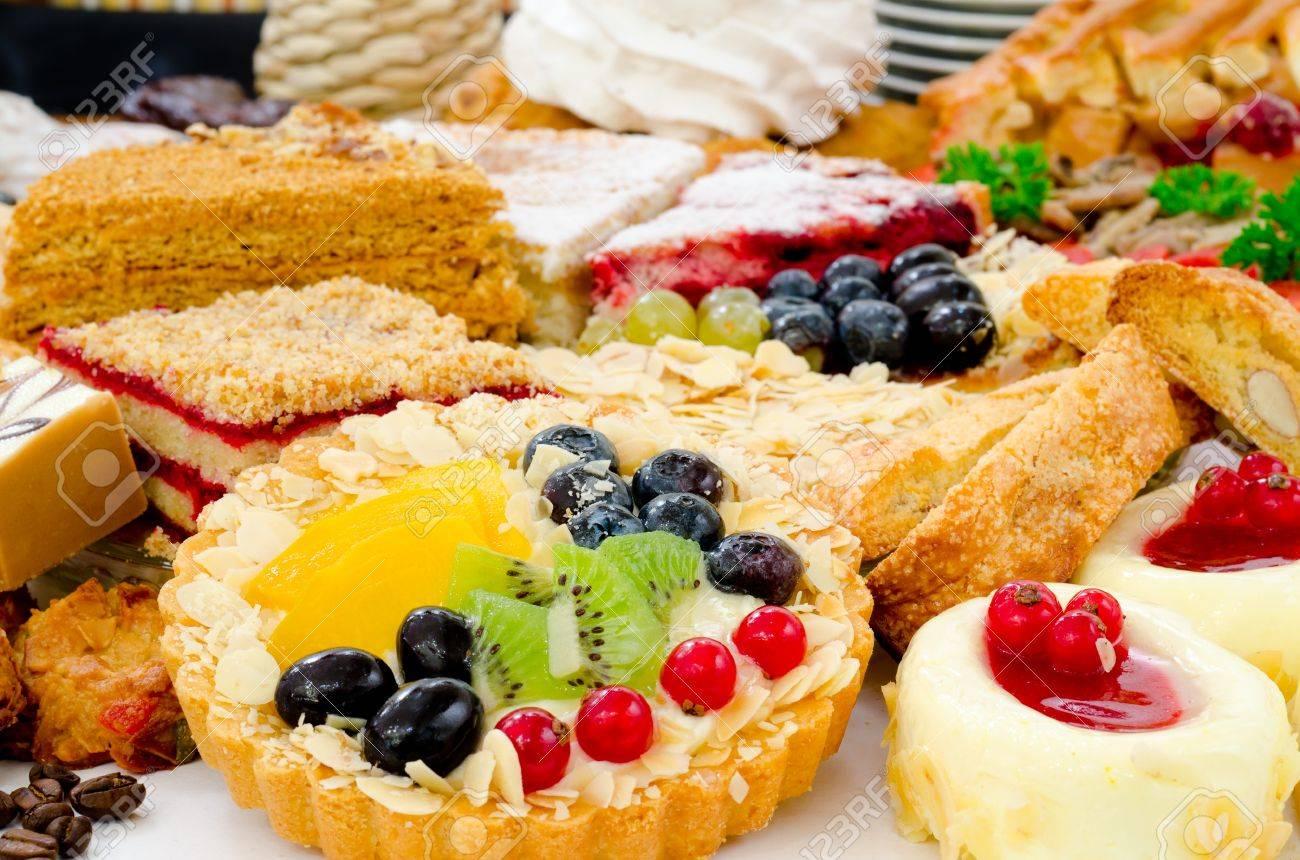 Viele Verschiedene Arten Von Nachtisch Kuchen Sussigkeiten Und