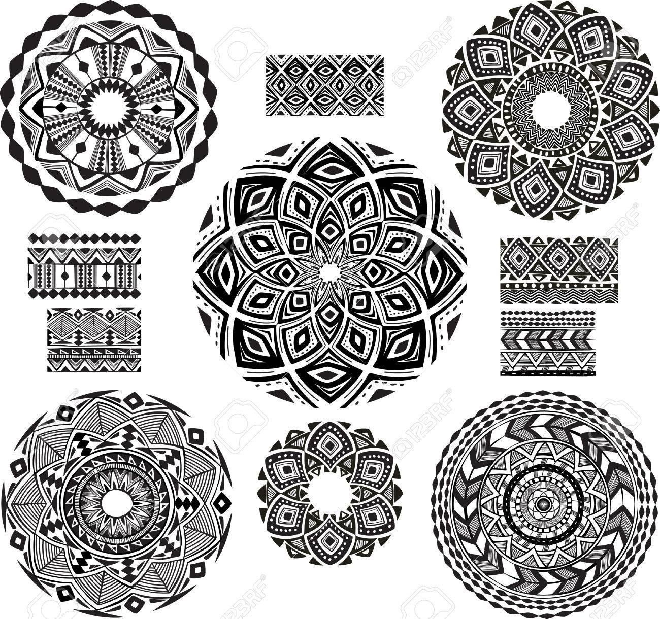 Round Ornament Pattern with pattern brash - 26040731