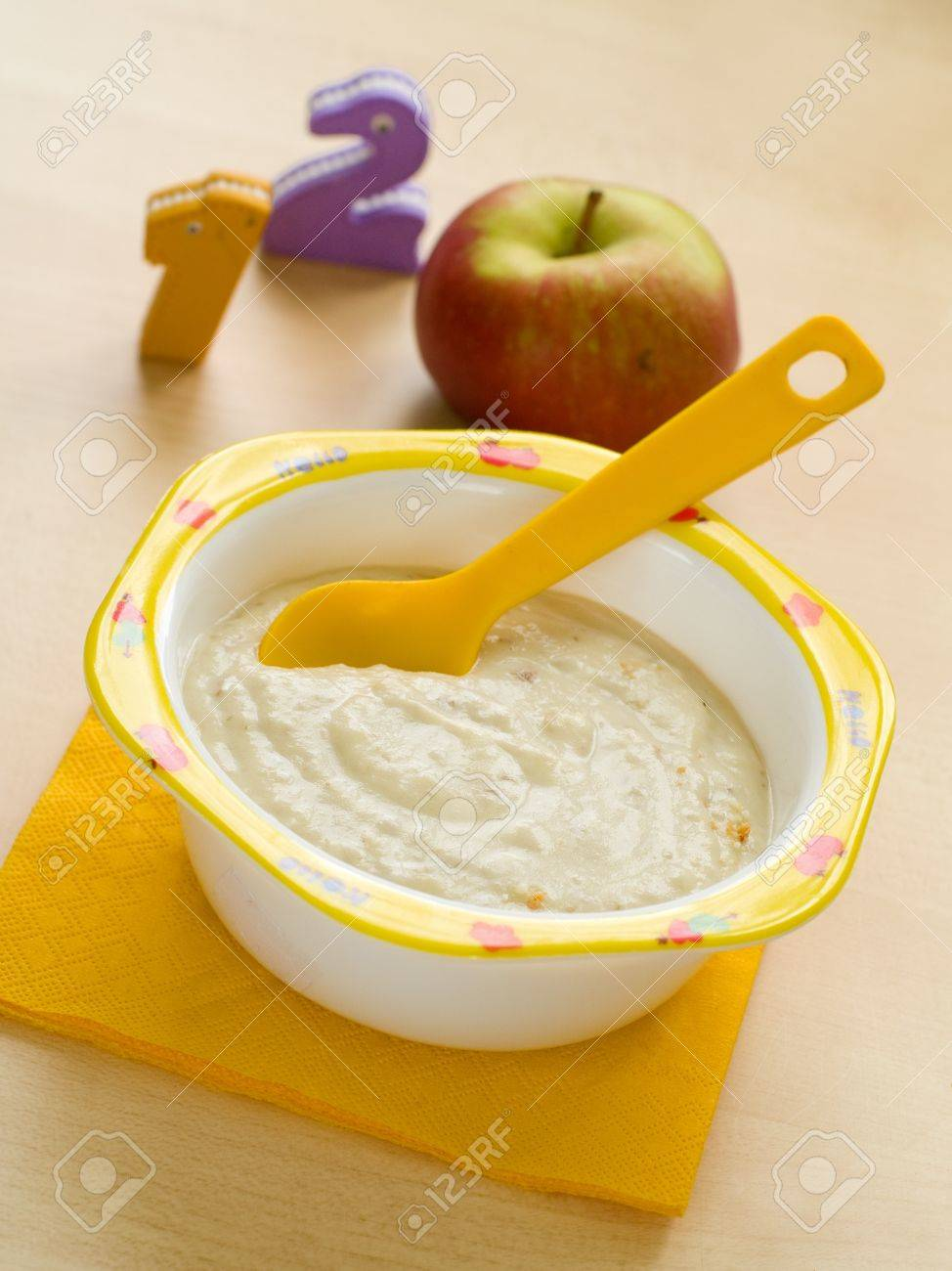 A bowl of oatmeal porridge for baby. Shot for a story on homemade, organic, healthy baby foods. Stock Photo - 8566705