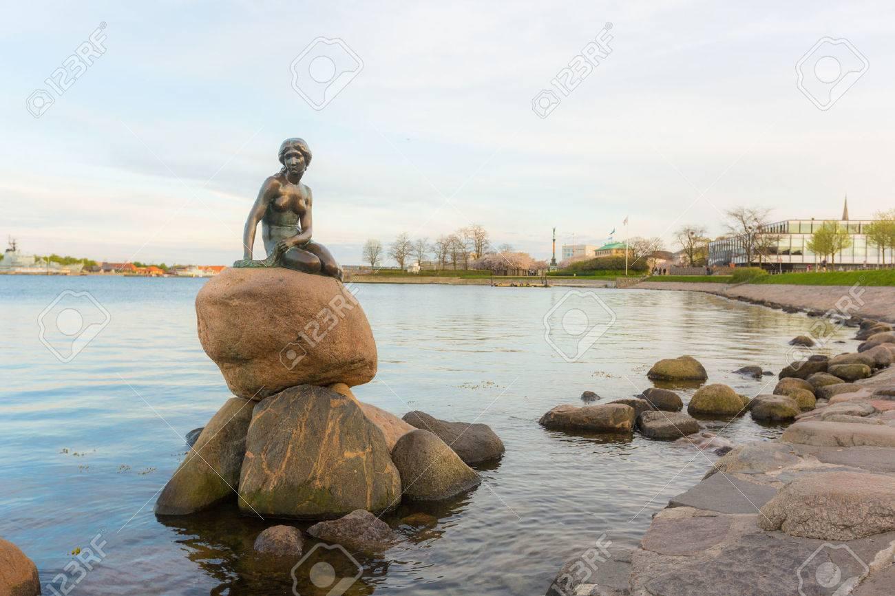 copenhagen denmark april 27 2015 the little mermaid statue