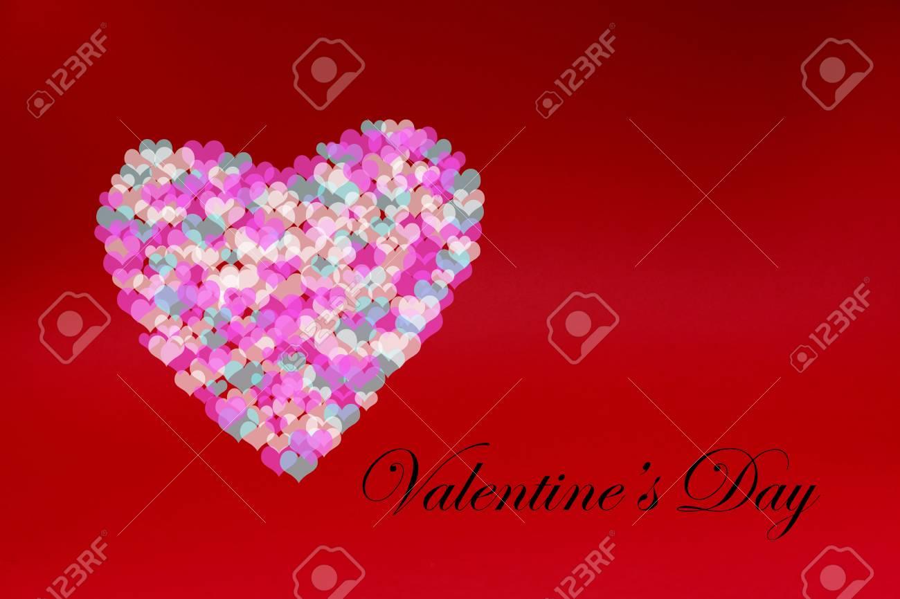 Viele Färben Kleine Herzen Zusammen Ein Großes Herz Auf Rotem ...