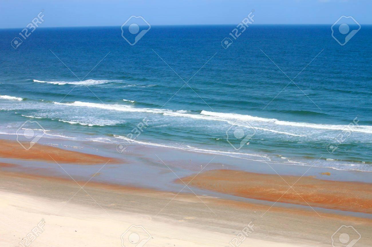 Waves crash along the coast on a beautiful day in Daytona Beach, Florida Stock Photo - 9896664