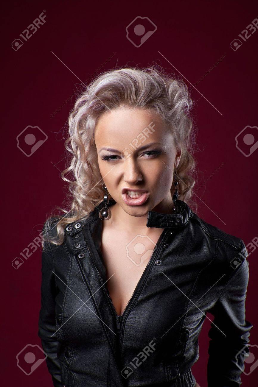 Sexy Attractive Blouson De Blonde Colère Cuir Émotions Femme En 8yt8xq 6IYf7bgyv